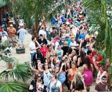 Tiki Bar Opening Day 2010 - 02.jpg